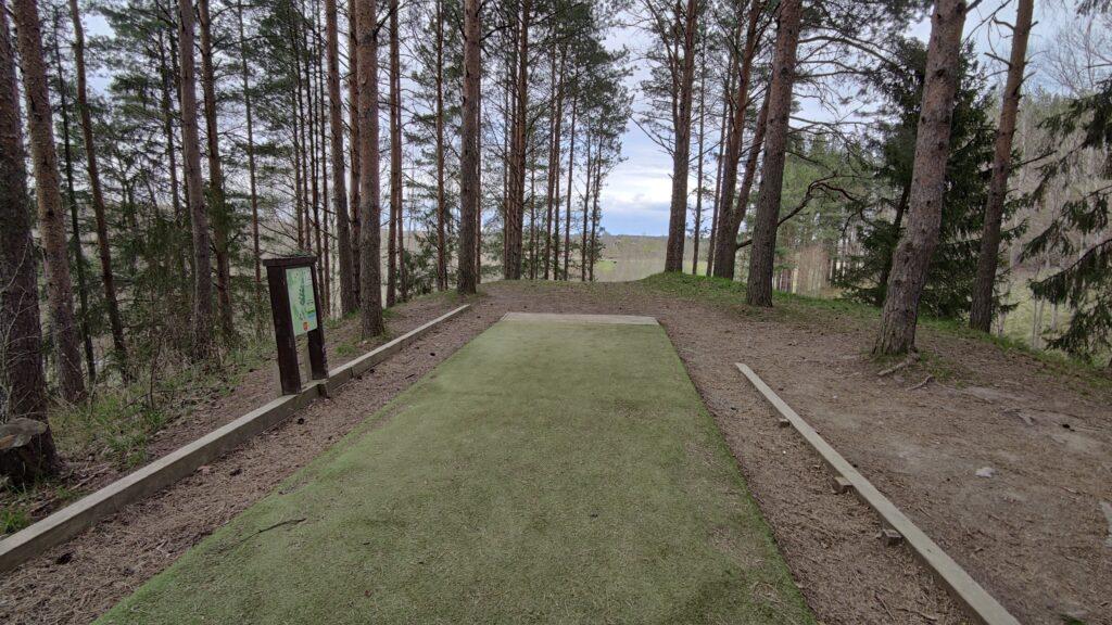 Utkast från pro tee på hål 12 på Järva Discgolfparks nya layout